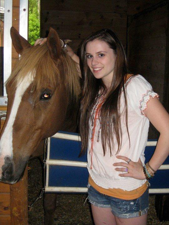 Caitlin Beadles On Twitter 13 Year Old Girl Now Vs Me As: Caitlin Victoria Beadles Photo (15409577