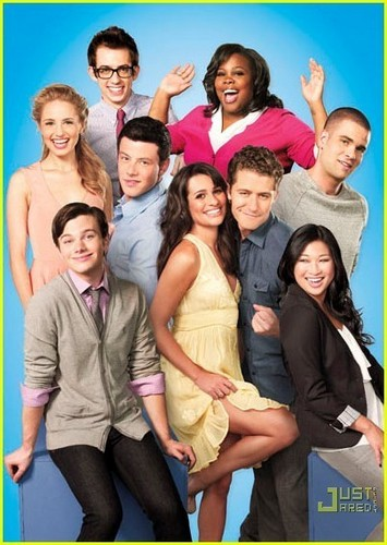 pic of the cast of Glee from the special new People