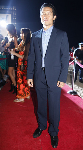 Daniel Dae Kim at the 'Hawaii 5-0′ Premiere on Waikiki pantai