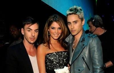 pics of AshG and Jared Leto @ VMA's