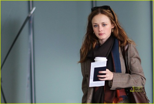 Alexis Bledel@Pearson International Airport on September 13