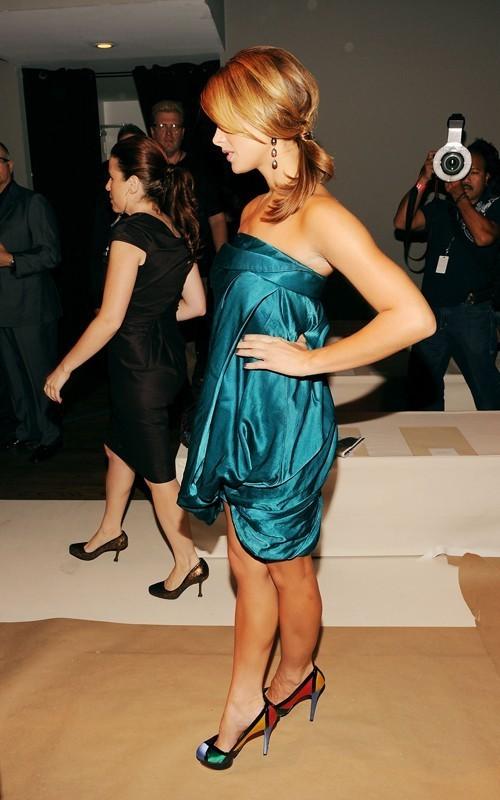 Ashley Greene at the Donna Karan fashion ipakita in NYC (Sept 13th)