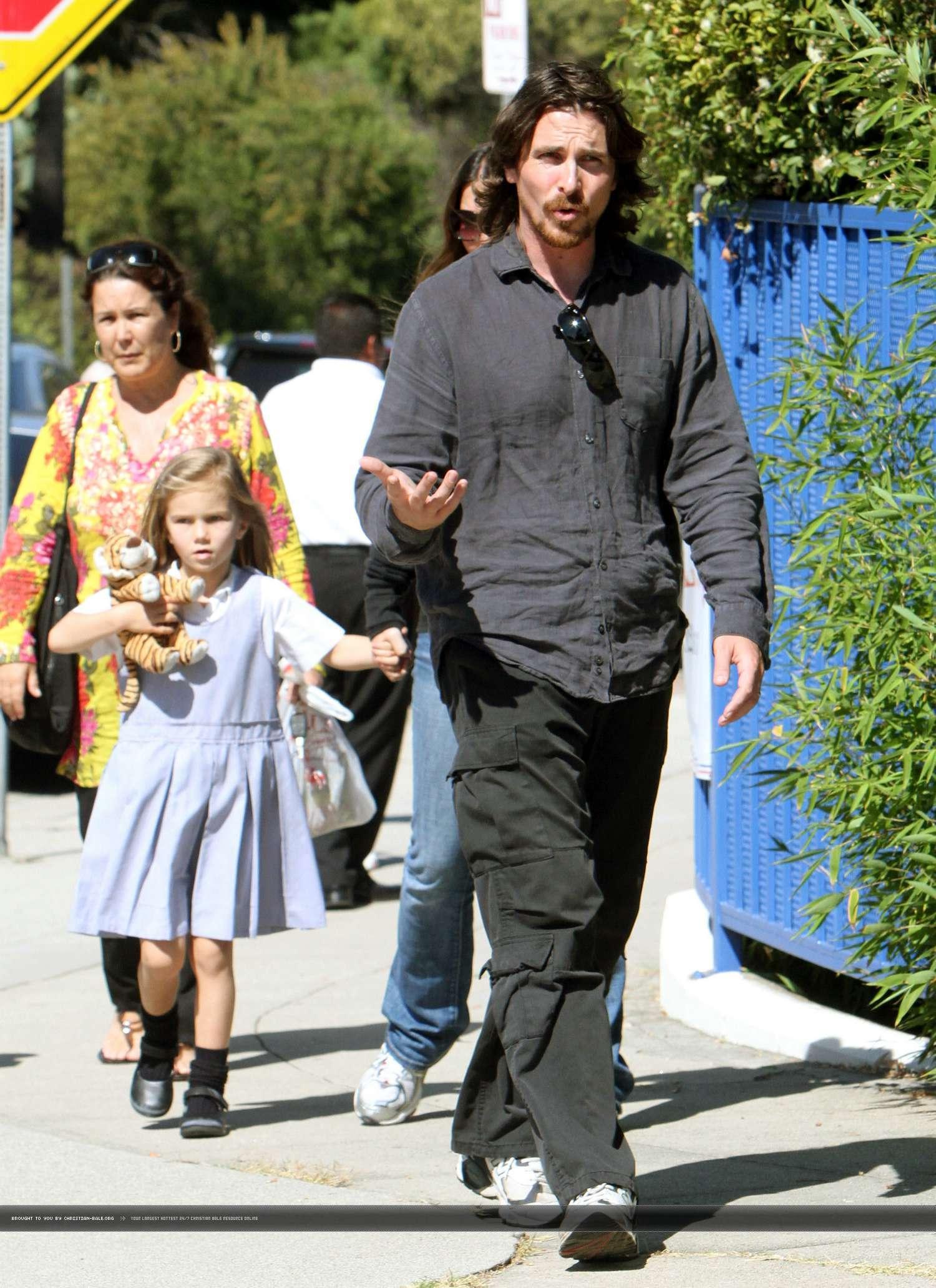 Кристиан бейл фото с женой и детьми