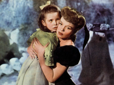 Judy Garland And Margaret O'Brien In Meet Me In St Louis