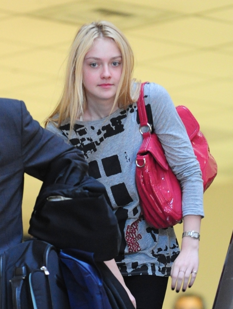 Dakota Fanning - LAX