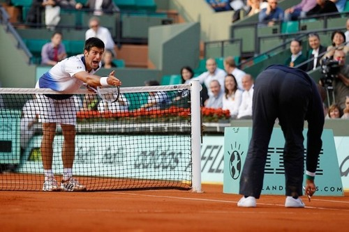 Djokovic : This is big नितंब, गधा !!!