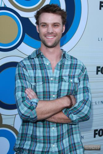 Jesse Spencer fond d'écran possibly with a sign entitled Fox's Fall Eco-Casino Party 2010 [September 13, 2010]
