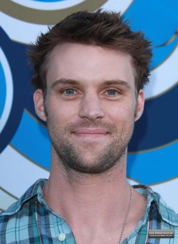 Jesse Spencer fond d'écran possibly containing a portrait entitled Fox's Fall Eco-Casino Party 2010 [September 13, 2010]