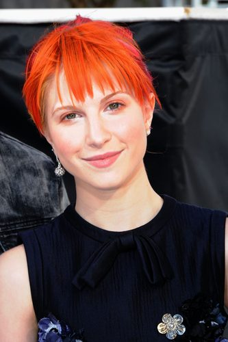 Hayley Williams at the VMA White Carpet
