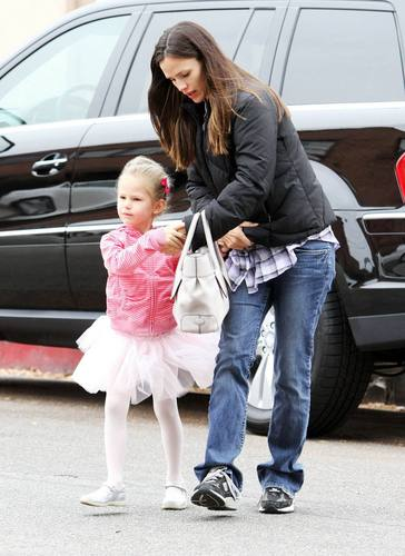 Jen taking Violet to Ballet!