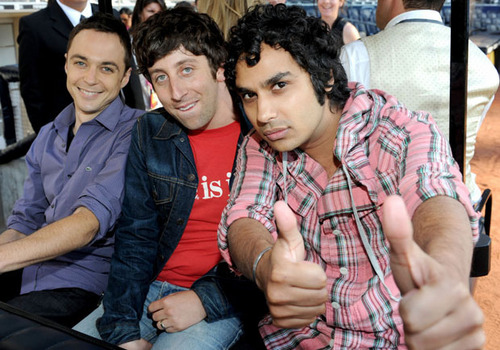 Jim Parsons,Simon Helberg and Kunal Nayyar-Comic-con 2010 - the-big-bang-theory Photo