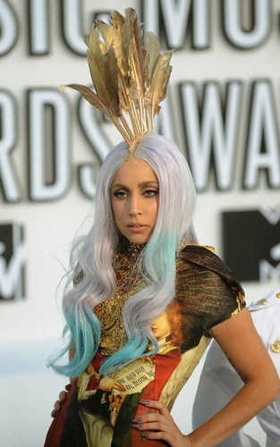 LADY GAGA WINS BIG AT THE MTV VIDEO muziki AWARDS