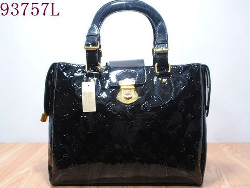 Handbags wallpaper probably containing a shoulder bag, an evening bag, and a sacola, saquinho, mochila called LV handbags