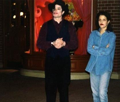 Michael & Lisa Marie <3