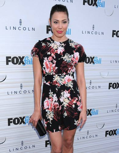 Michaela Conlin wallpaper called Michaela Conlin - HQ Images Of The Fox Fall Party