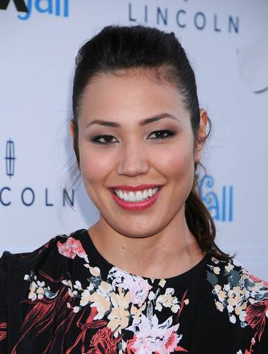 Michaela Conlin - HQ imagens Of The raposa Fall Party