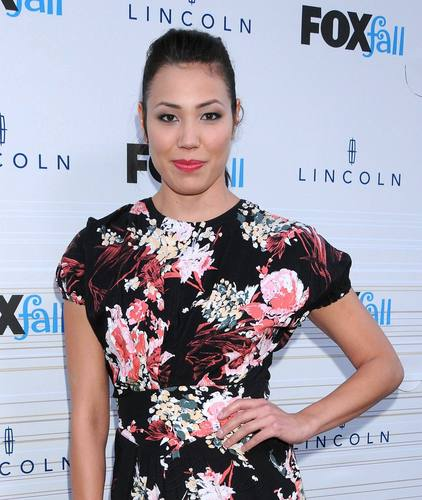 Michaela Conlin wallpaper titled Michaela Conlin - HQ Images Of The Fox Fall Party