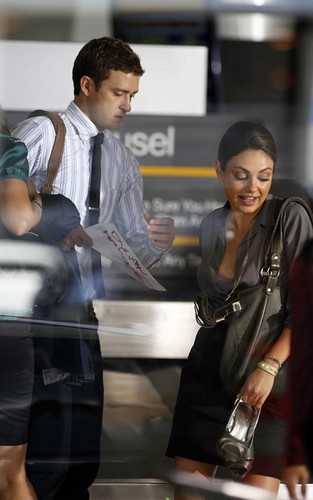 Mila & Justin on set 'Friends with Benefits'