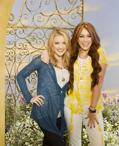 Miley Cyruand Emily Osment