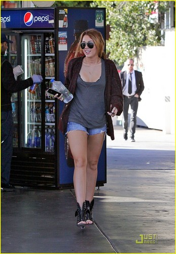 Miley out in LA