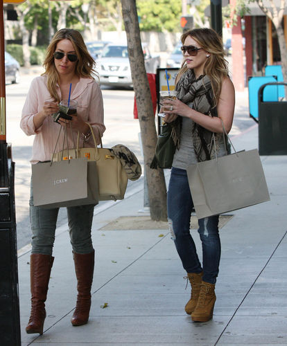 SHOPPING WITH HILARY6