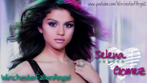 Selena G. Photoshoot pas aan