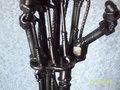 《终结者》 Arm made with junk,bolts,nuts