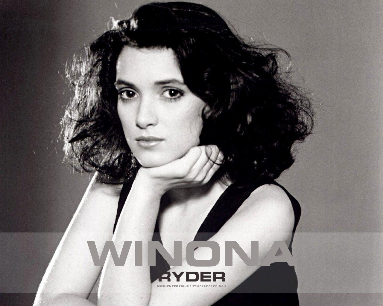 Winona Ryder Wallpaper 15505107 Fanpop