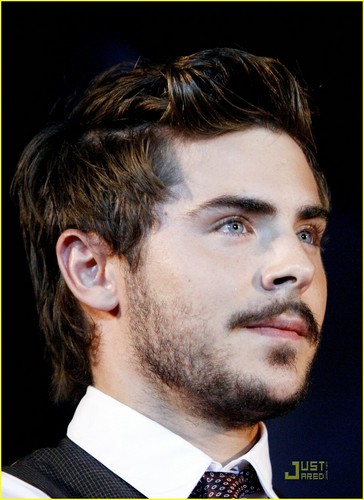 Zac @ Charlie St облако Germany Premiere