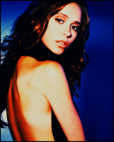 Jennifer Love Hewitt wallpaper containing skin titled jenniFEr LH