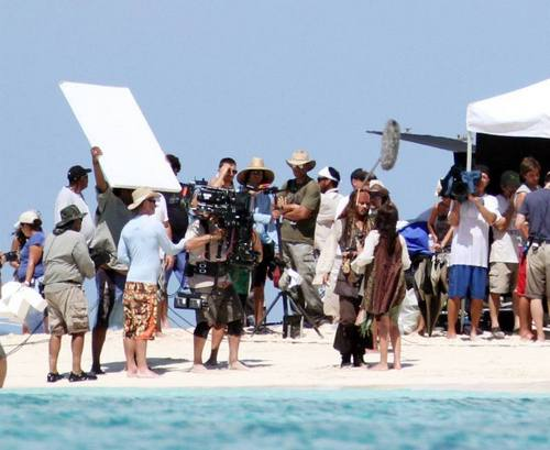 johnny depp- pirates of the caribbean 4( set)