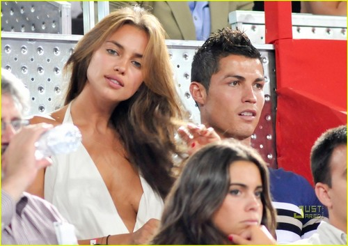 Cristiano Ronaldo achtergrond probably containing a portrait called sexy irina shayk and ronaldo