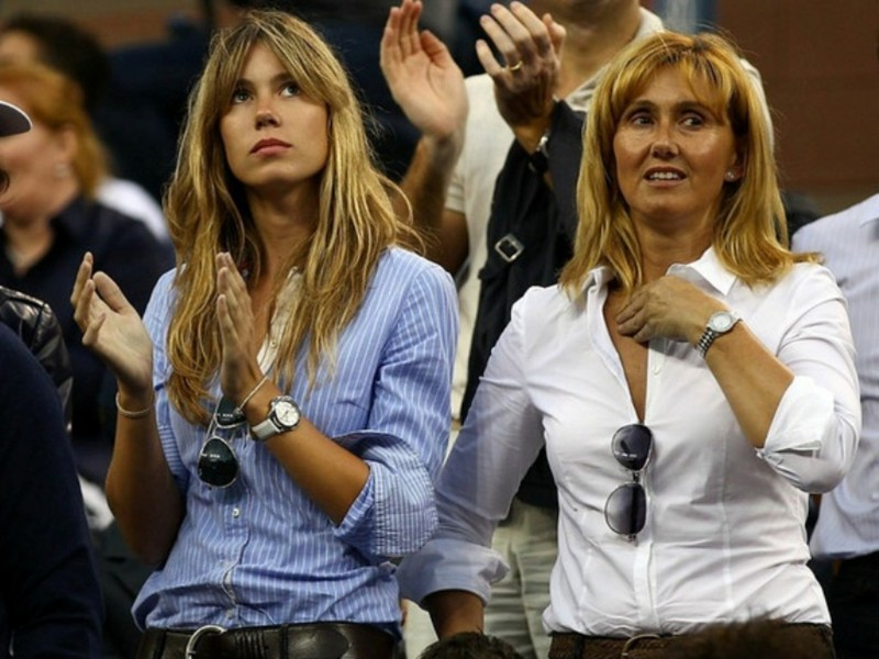 Lucky Roger Federer Gets Kisses From Nadals Hot Mom Page
