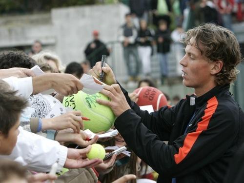 tomas autographs