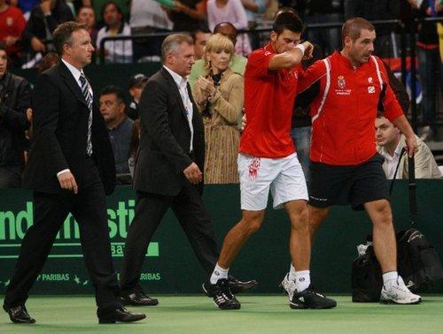 Djokovic has played an injury !!!!!!