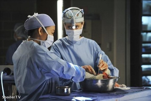 Grey's Anatomy پیپر وال titled Episode 7.02 - Shock to the System - Promotional تصاویر