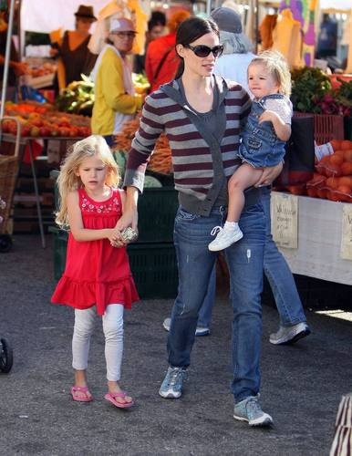 Jen takes violet and Seraphina to the Farmer's Market!