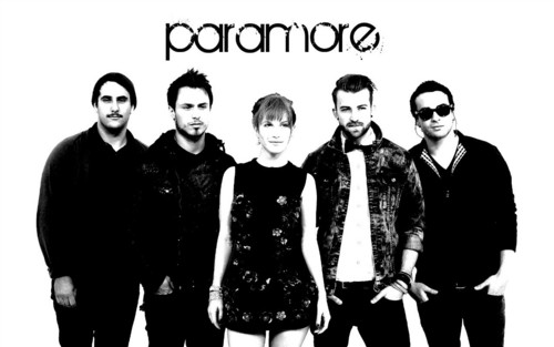 Paramore wallpaper containing a well dressed person entitled Paramore at the VMA Wallpaper