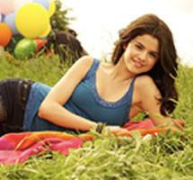 Selena Gomez wallpaper probably with a barrow titled selena cutie♥♥......