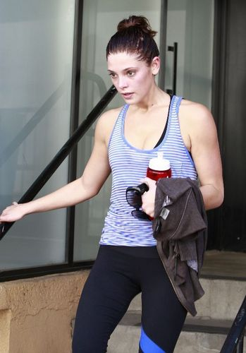 Ashley leaving gym in Studio City (September 23rd 2010)