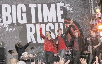 Big Time Rush On Set