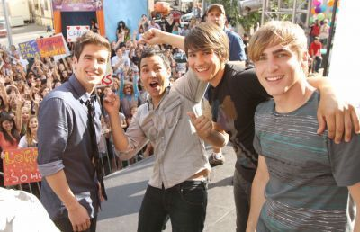 Big Time Rush On Set