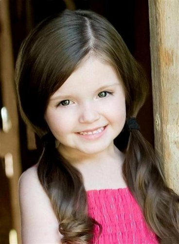Brookelyn F. as Renesmee