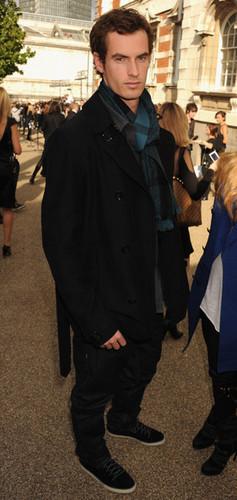 burberry کے, بربیری Prorsum - Arrivals LFW Spring/Summer 2011 (September 21)