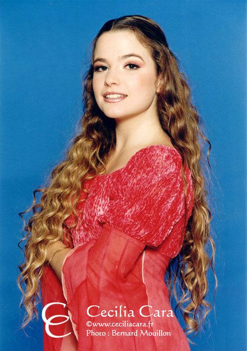 http://images4.fanpop.com/image/photos/15700000/Cecilia-Cara-as-Juliette-romeo-et-juliette-de-la-haine-a-lamour-15724854-507-720.jpg