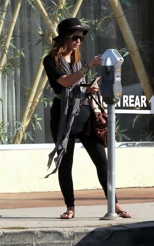 Demi out in LA