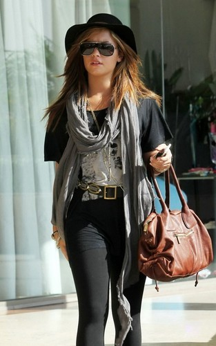 Demi out in LA
