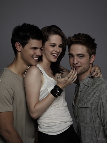Entertainment Weekly Outtakes Of Robert Pattinson, Taylor Lautner & Kristen Stewart! (2010)""