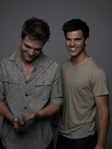 Entertainment Weekly Outtakes Of Robert Pattinson, Taylor Lautner & Kristen Stewart! (2010)