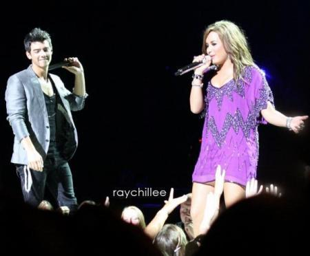 Jemi on Tour